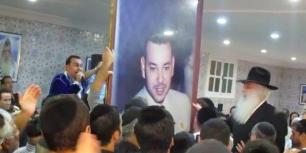 עשרות אלפי אנשי עסקים ישראלים כבר מושקעים במרוקו וההסתערות על מרוקו רק מתגברת Juifs-marocains-chantent-gloire-MohammedVI